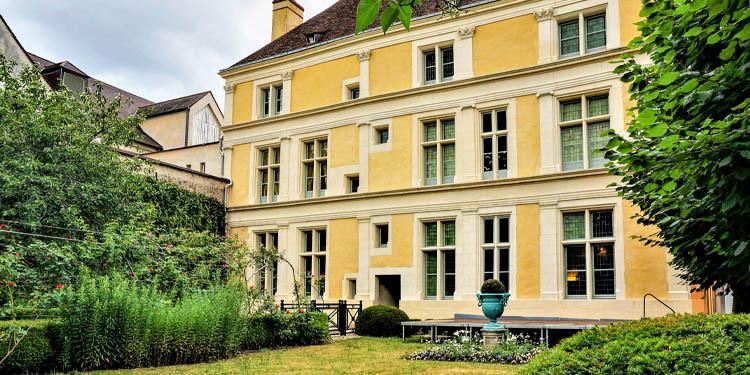 Façade Maison natale de Jean de La Fontaine